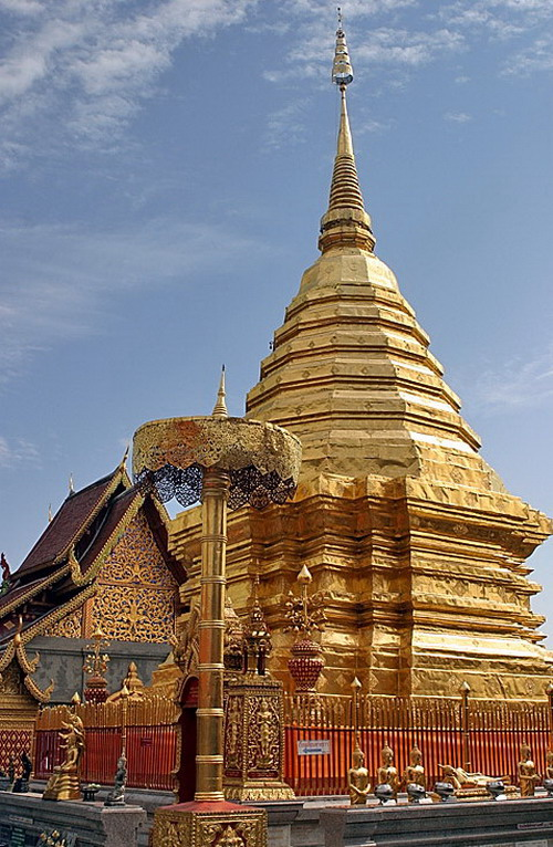 Wat_phra_that_doi_suthep_03_resize