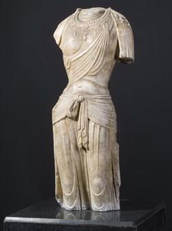 Bodhisattva_torso_white_marble_tang